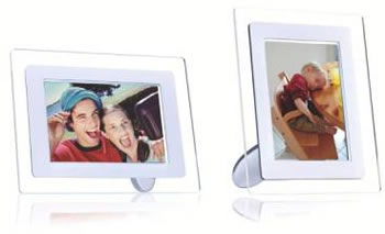 p2 Philips new and innovative 9 inch (23cm) PhotoFrame