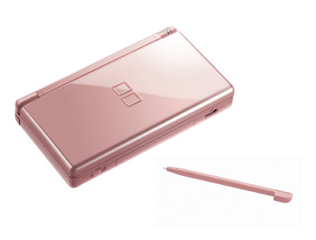 dslite05 thumb Nintendo DS Lite now in Metallic Rose and Glossy Silver color