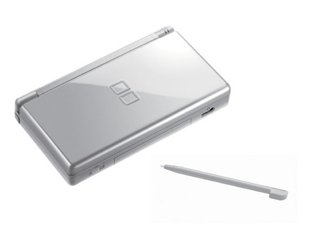 dslite08 thumb Nintendo DS Lite now in Metallic Rose and Glossy Silver color